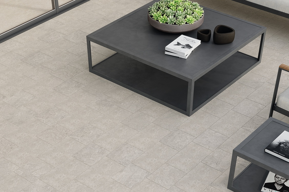The advantages of porcelain stoneware tiles for outdoor use